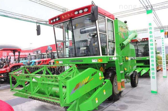 4LZ-8自走式全喂入谷物收割機