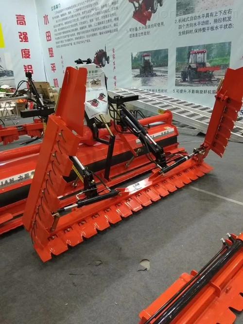 盐城市一马牌4.9米自动水平式不锈钢平地机
