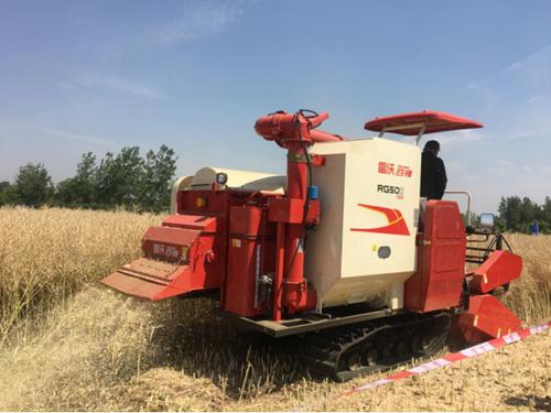 2019年中国农机推广田间日活动在安徽滁州举办