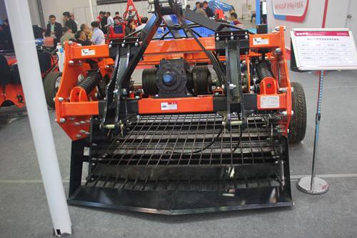 回望成就 在新的历史起点上加快推进农业机械化